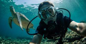 underwater-selfie-tommy-schultz
