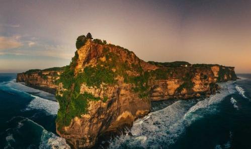 Uluwatu Cliff Sunset