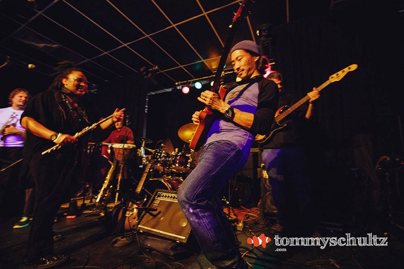 Baaba Seth in Charlottesville: Concert Photos from the Anteroom, November 2017