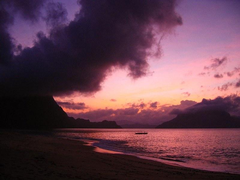 El Nido Island Beach Sunrise